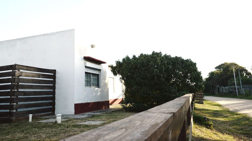 Rabito - Modern house at meters from the beach