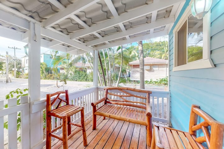 Charming cabana with a porch - just a few steps to the beach and town!