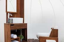 In-bubble bathroom in all Bubble Suites