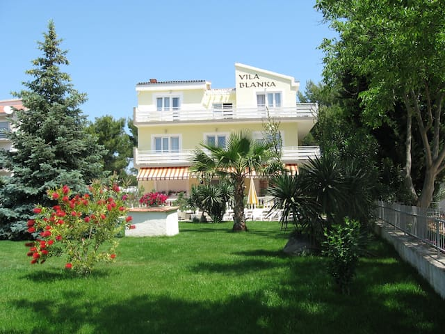 Vila Blanka, Vodice