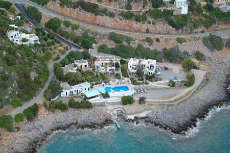 Villa on the Sea at Amoudara Agios Nikolaos - Elounda - Kondominium