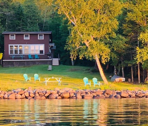 Relaxing Lakefront Getaway!!!