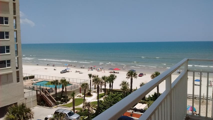 Daytona Beach Shs 3/2 luxury condo on the Beach! - Daytona Beach Shores - Appartement