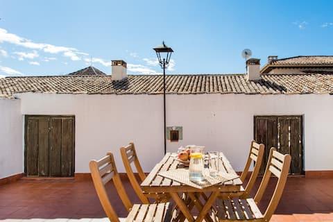 El encanto del Albaicín granaíno en un apartamento con terraza y parking