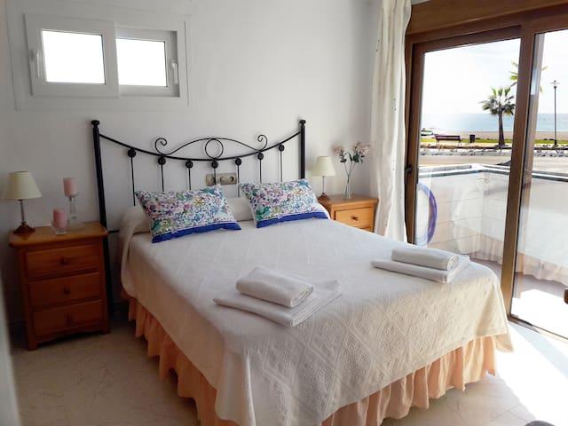 Beach Apartment Benajarafe- Costa del Sol! - Vélez-Málaga - Apartamento