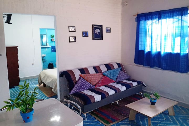 Blue Studio 3 blocks from the main plaza in Ajijic