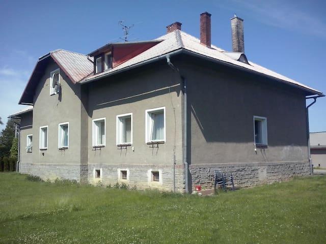 Hezký byt v malé obci v Podbeskydí. - Třanovice - Byt