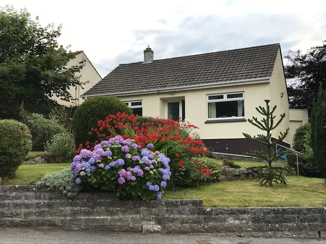 Cosy detached family-friendly home.