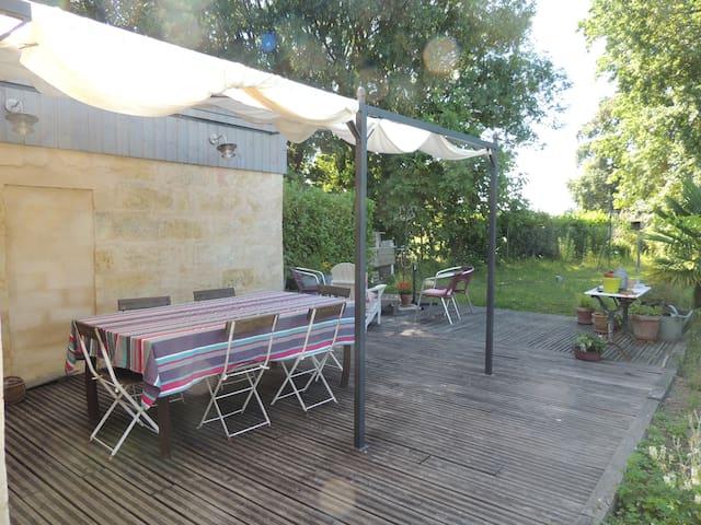 longère en pierre rénovée - Lalande-de-Pomerol - House