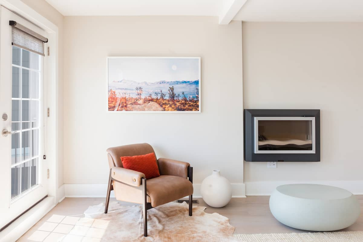 Luxuriously Renovated Home in Great 14th St Location