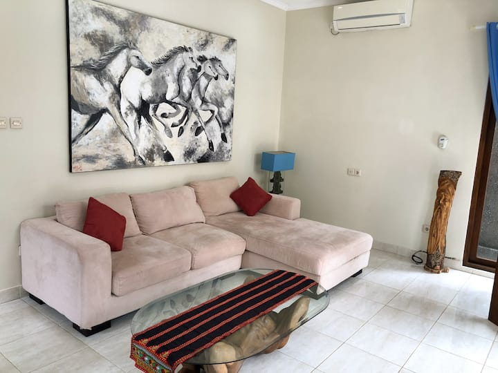 Secret and Central Villa Ideal for Couples/Family