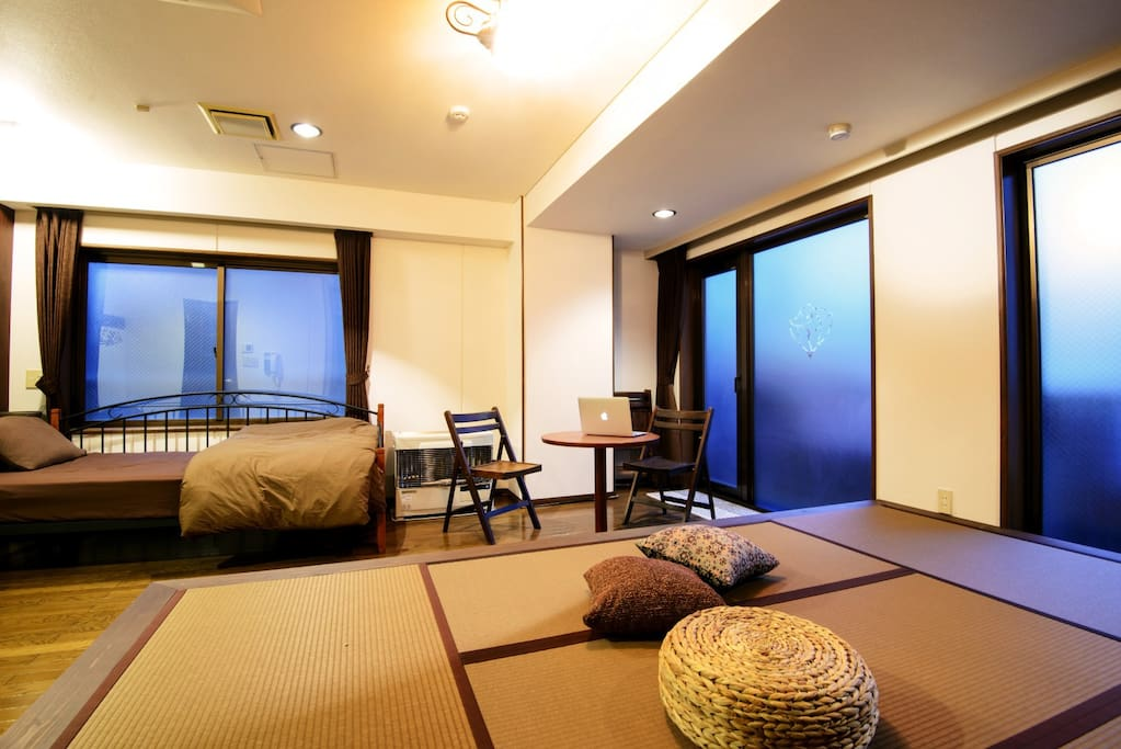 #102 Spacious 1 room studio apartment (36m2) offers a single bed and Tatami space, a work tables