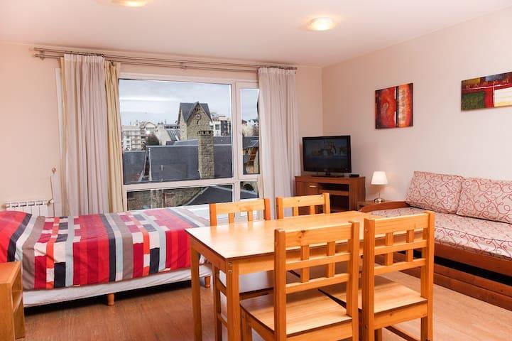 Moderno y cómodo departamento en pleno centro