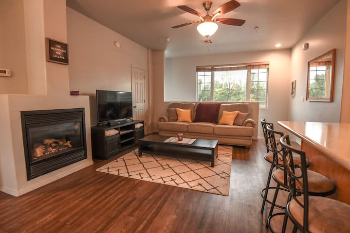 Flagstaff Townhouse Retreat on Historic Route 66