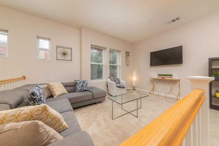 ⚡️Spacious 3BR/2BA⚡️ Comfortable Staycation ⚡️ SF Bay