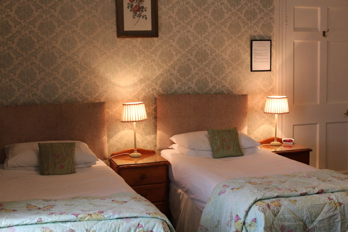 Twin beds in Room2
