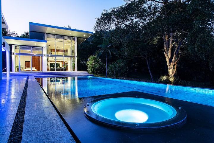 Luxury Pool Villa Doi Kham