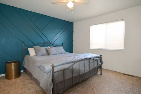 OZONE SANITIZED! Relaxing westside 3/2 townhome