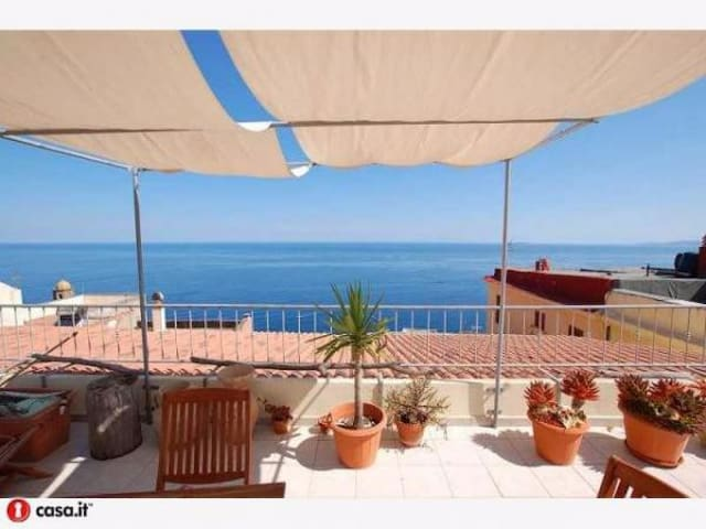 Penthouse in the medieval center of Castelsardo - Кастельсардо - Квартира