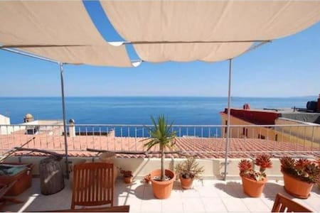 Penthouse in the medieval center of Castelsardo - Appartement