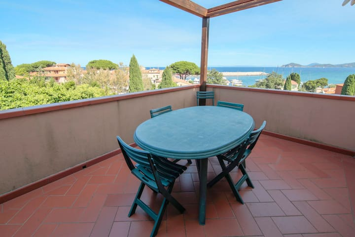 Fantastic views of Italian nature and the sea - Apartment Il Chiuccolo