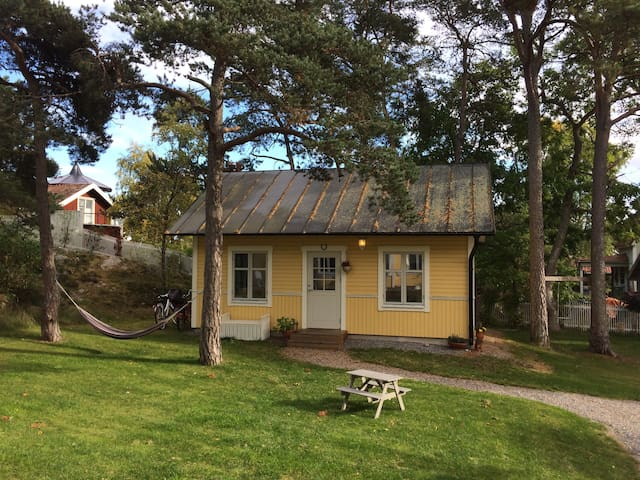 Nice guest house in calm area in central Dalarö