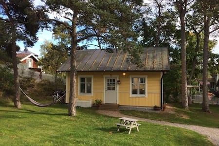 Nice guest house in calm area in central Dalarö