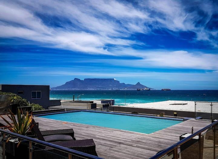 Heaven-on-Earth : Blouberg beachfront apartment