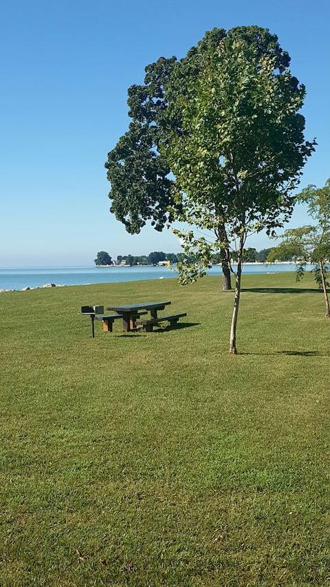 JEN' s DEN / Lake Erie Resort/Fishermens Delight!