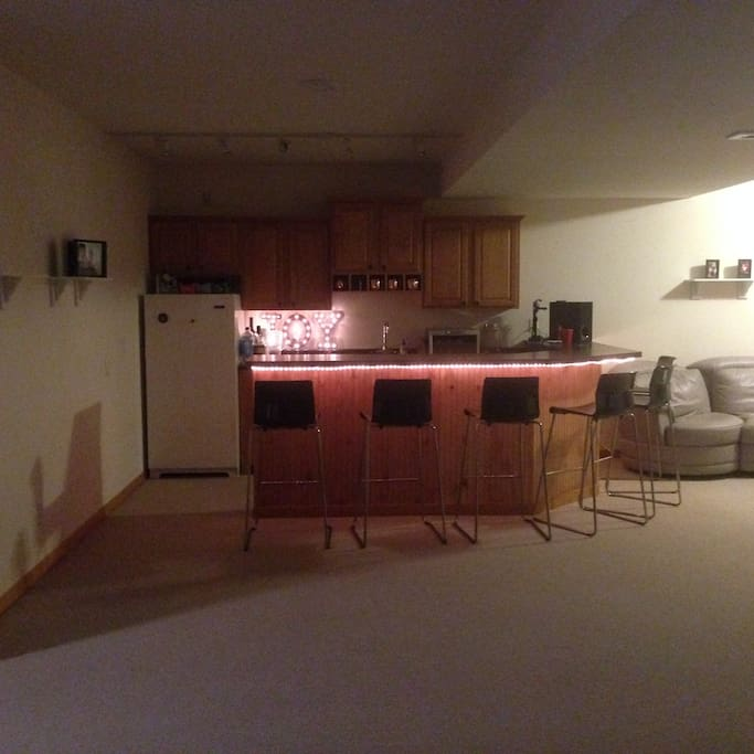 Spacious Finished Basement Close To Madison