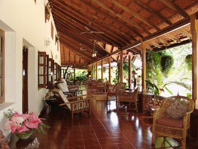 Spice Room|1 BR in 400 acre coffee & Spice estate