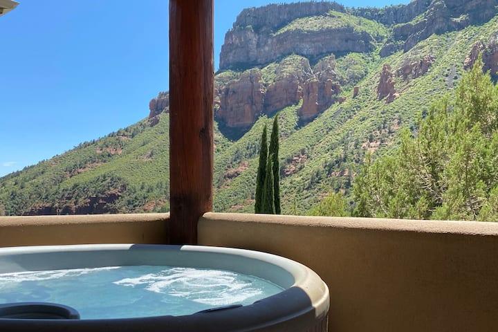 Peaceful Hideaway In Stunning Oak Creek Canyon