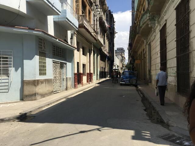 calle donde está ubicado el alojamiento