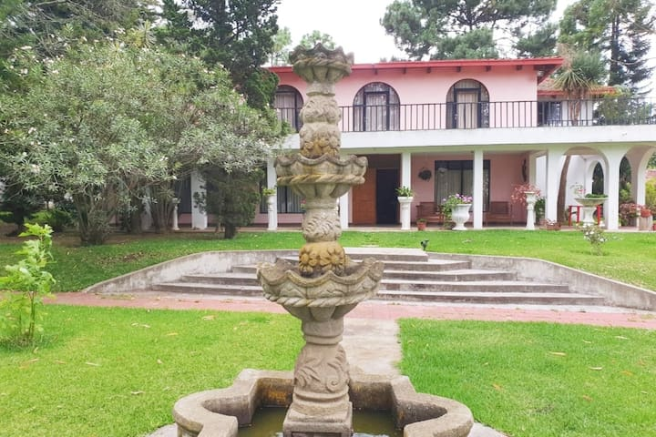 Villa La Fuente -  Beautiful, cozy and spacious!