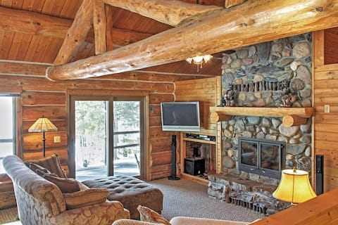 Wonderful 3BR Home on Sand Lake w/Expansive Porch