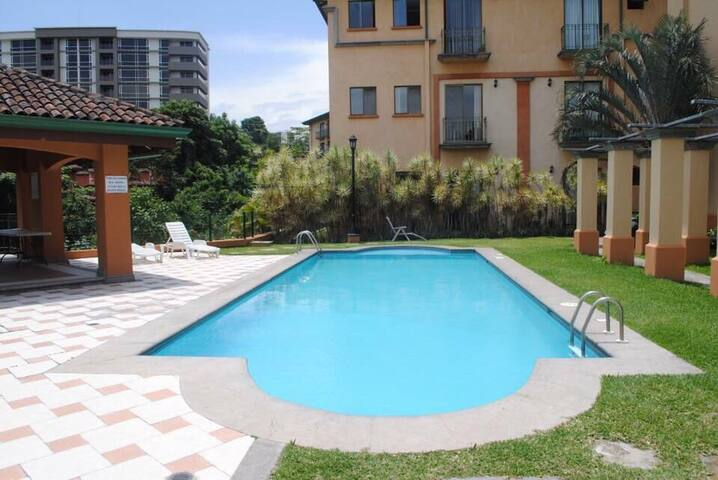 BRING ONLY YOUR SUITCASE , ESCAZU - Escazu - Apartment