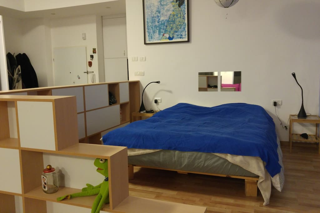 Spacious Queen Size Bed