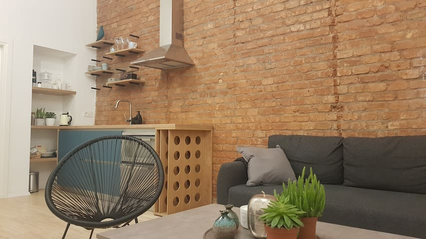 Brick&Birch - Superior Apartment