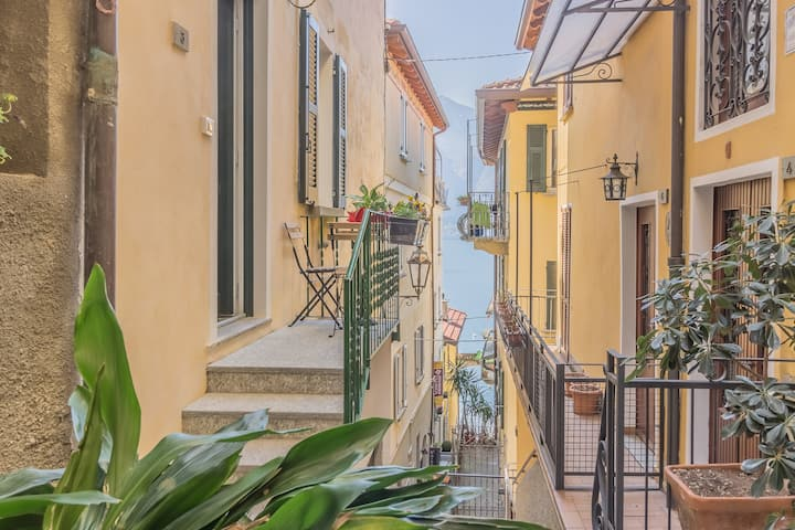 4 Pass Apartment in the heart of Varenna