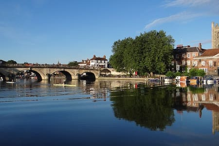 Friendly House, Walking distance from Town Centre. - 헨리온템즈(Henley-on-Thames) - 단독주택