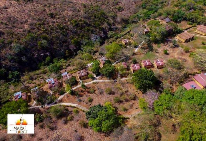 Vintage Maasai Lodge Villa