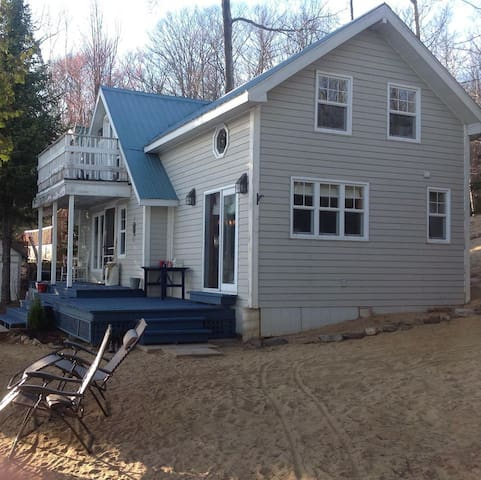 Beach cottage Lac sinclair 48 min Ottawa - Duclos - Bungalo