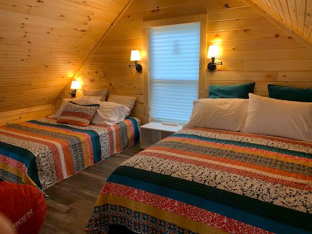 Loft area - two queen beds.