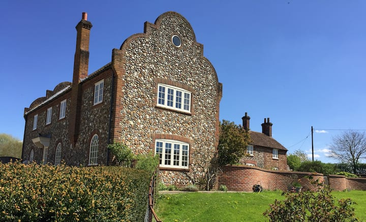 The Gable at Merryweather House