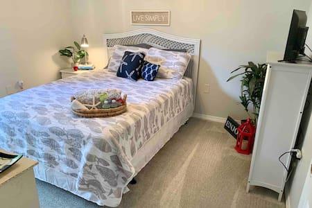 Cozy Bedroom + Close to the Emerald Coast