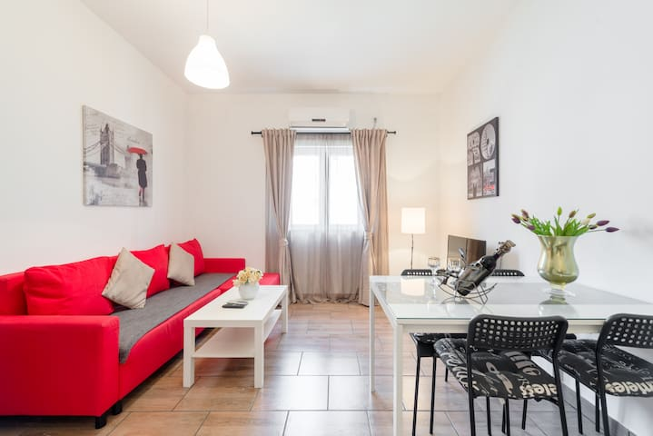 Charmig apartment with private parking place