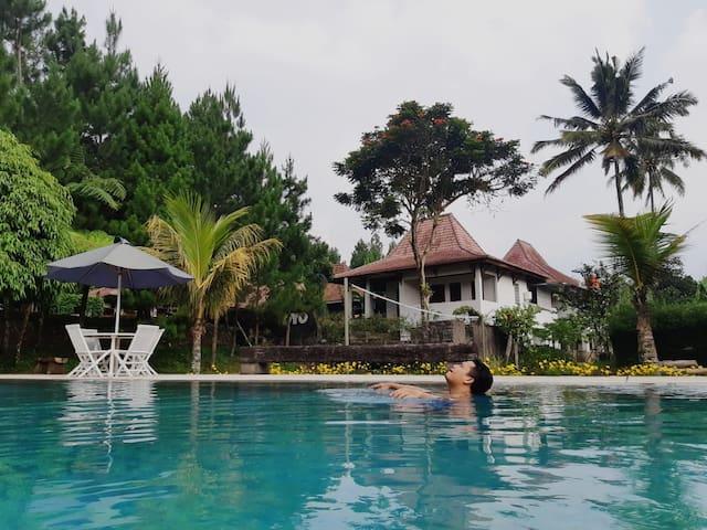Villa Wirasamala Cisarua Bogor Harian / Bulanan
