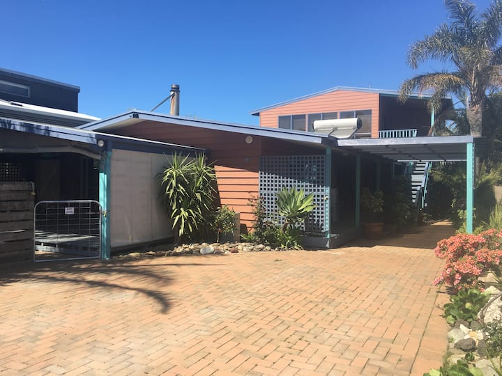 3 Separate Living Zones for 10-14 at Cape Paterson