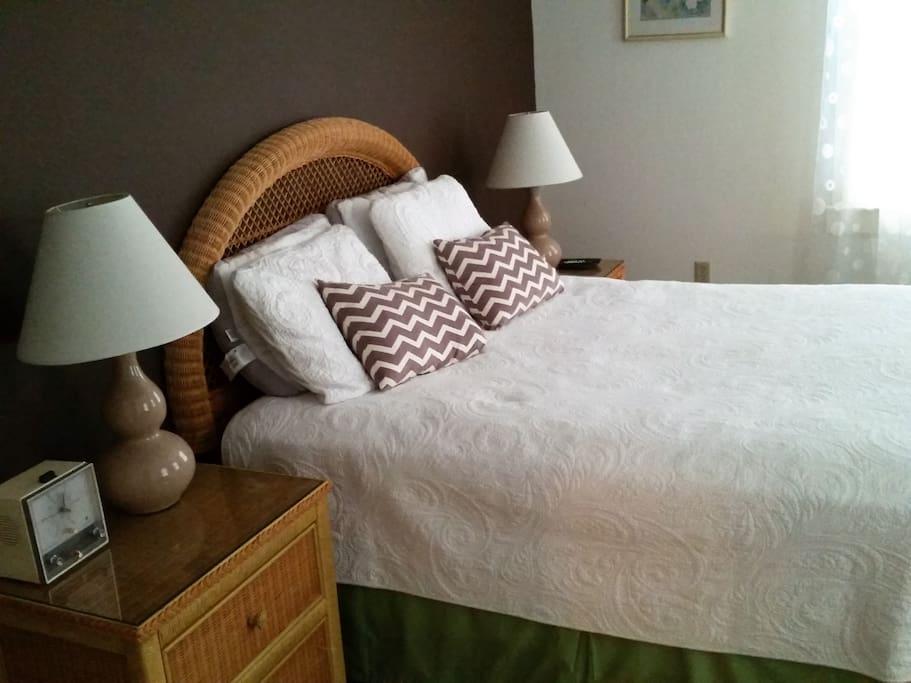Comfortable, new queen mattress