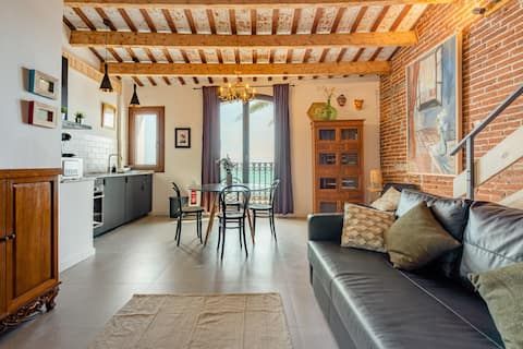 Mar loft -Just in front of the sea and train